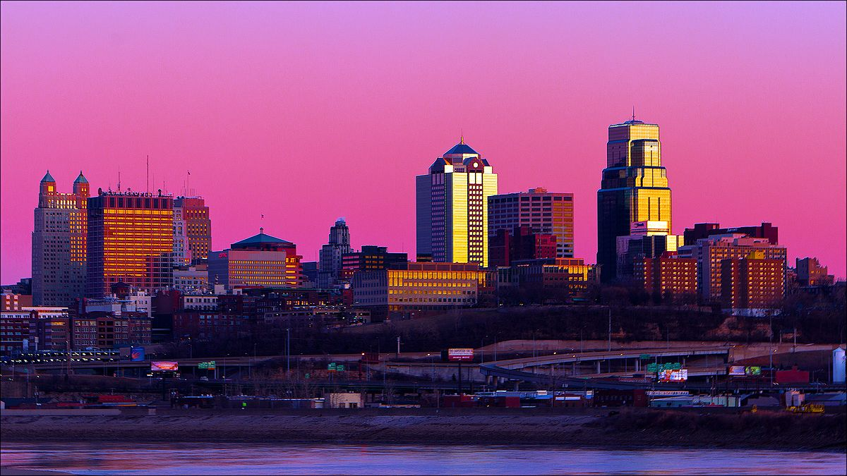 Kansas_City_At_Dusk